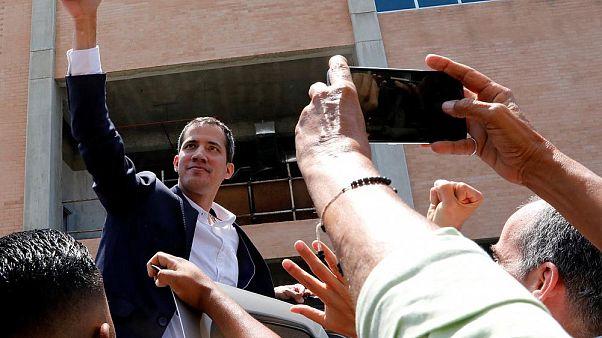 Juan Guaidó llega a Venezuela y la Unión Europea pide su seguridad