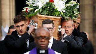Eltemették Gordon Bankst