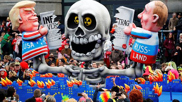 Le carnaval du Düsseldorf en mode satirique