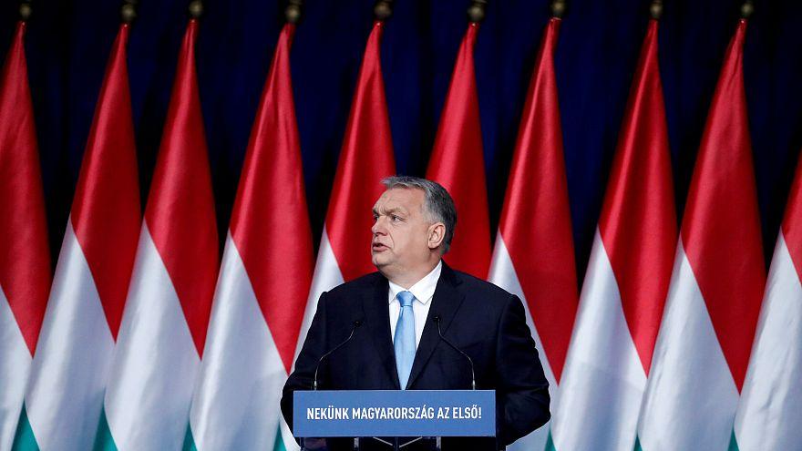 AP'nin en büyük siyasi grubu Orban'a karşı ihraç prosedürü başlattı