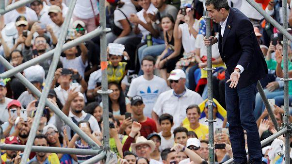 """Il ritorno di Guaidó in Venezuela: """"Noi più forti che mai"""""""
