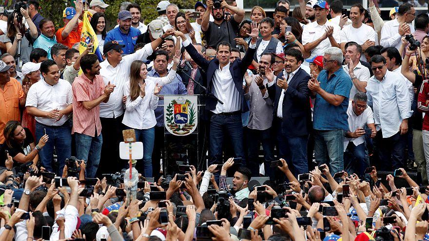 Guaidó-Show? Übergangspräsident gibt sich kämpferisch
