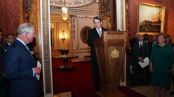 Ο Πρόεδρος της Κυπριακής Δημοκρατίας στο παλάτι του Μπάκιγχαμ (φωτο)
