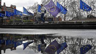 Ismét Brüsszelben tárgyalnak a brexitről a britek, vészesen közeledik március 29-e