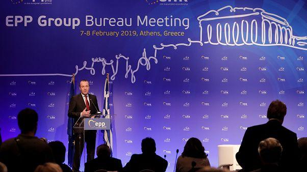 Manfred Weber beszédet mond a februári EPP-tanácskozáson