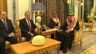 وزير الخارجية الروسي لافروف يلتقي الملك سلمان