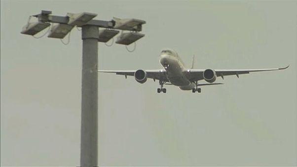 Bélgica propõe imposto europeu sobre viagens de avião