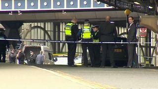 Pacchi esplosivi intercettati a Londra, indaga l'antiterrorismo