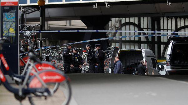 Londra'da iki havalimanı ve bir tren istasyonunda bomba paniği