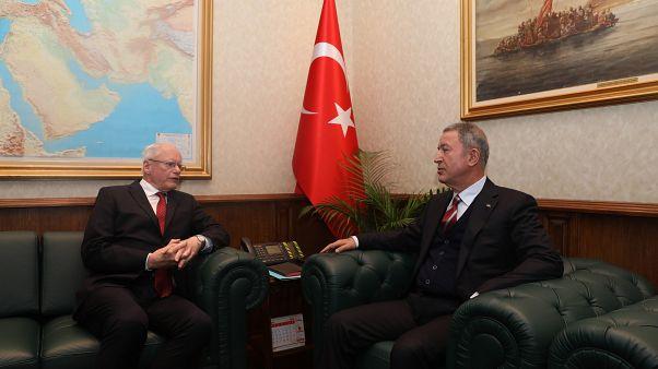 Miili Savunma Bakanı Hulusi Akar ABD'nin Suriye Özel Temsilcisi James Jeffrey ile görüştü