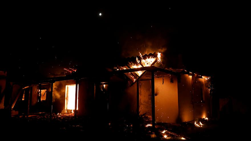 Yunanistan'da 100 kişinin öldüğü yangın iddianamesi: 20 kişiye taksiren adam öldürmek suçlaması