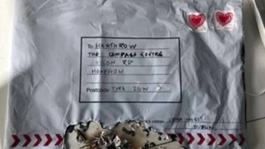 Polícia procura responsáveis de pacotes armadilhados em Londres
