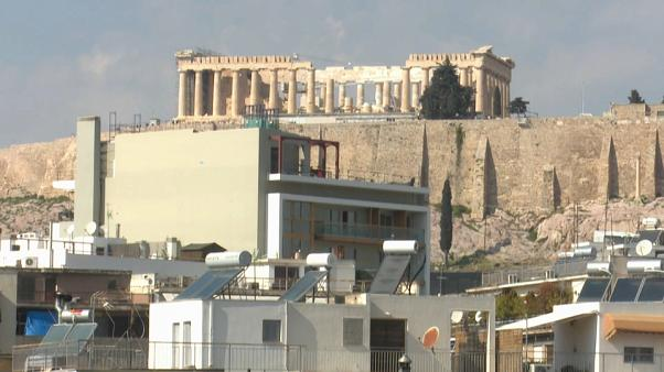 Atene: giungla di cemento attorno all'Acropoli