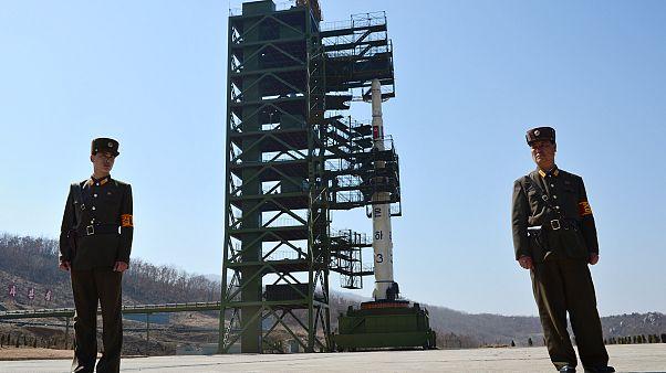 Ανακατασκευάζει πυραυλικές εγκαταστάσεις η Β.Κορέα - Με νέες κυρώσεις απειλεί ο Μπόλτον