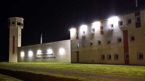 Γαλλία: Κρατούμενος μαχαίρωσε δεσμοφύλακες στη Νορμανδία