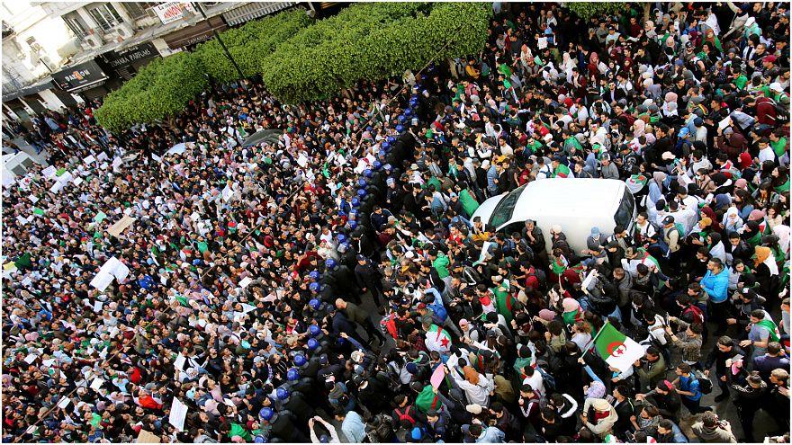 لو دريان: ما يحدث في الجزائر له وقع قوي في فرنسا
