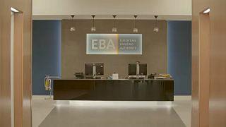 Brexit: Párizsba költözik az Európai Bankhatóság