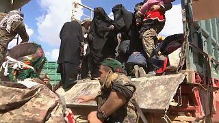 Civilek tízezrei menekültek el a szíriai Bagúzból