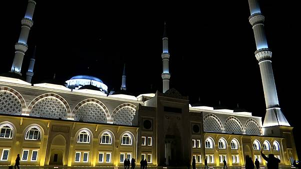 شاهد: افتتاح المسجد الأسطورة في إسطنبول