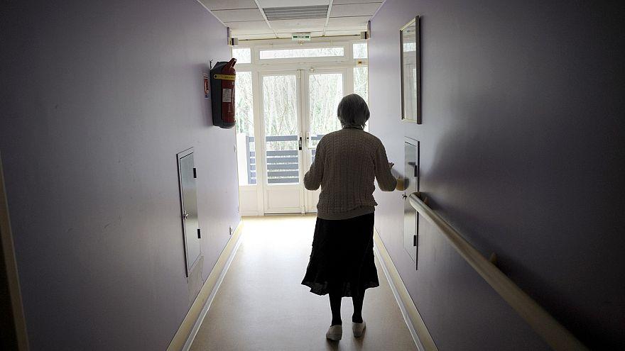 Menopoz sonrası ağız yoluyla alınan hormon ilaçları Alzheimer riskini yükseltiyor