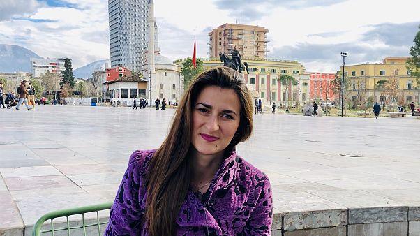 Arnavut sanatçı Aida Ljukaj ile İskender Bey Meydanı'nda görüştük