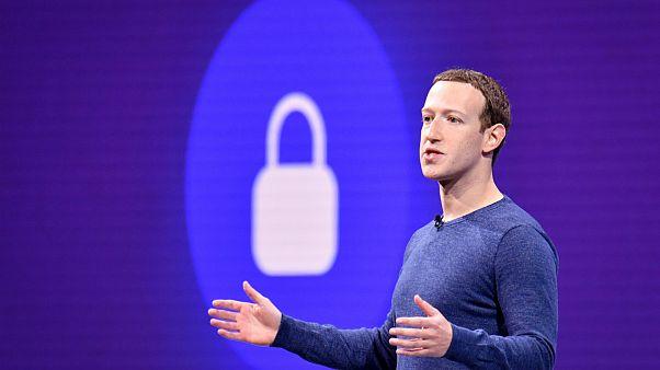 فیسبوک از شبکه اجتماعی «میدان شهر» به «اتاق نشیمن» خصوصی تبدیل میشود