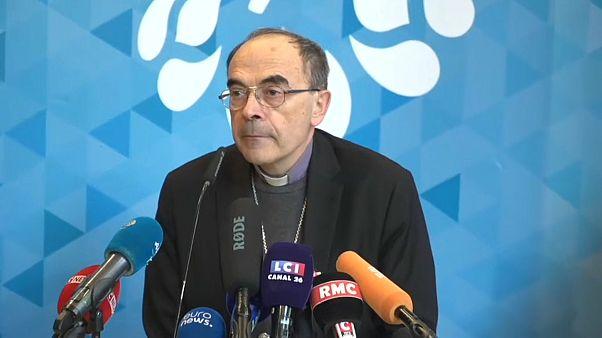 Кардинал Барбарен подал прошение об отставке