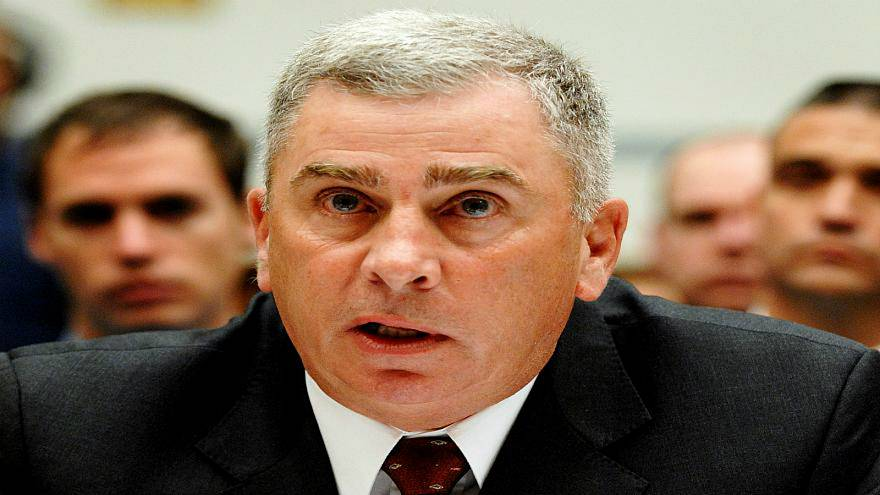 """مشرعان أمريكيان يصفان بن سلمان بـ""""المجرم العتيد"""" وجنرال متقاعد يدافع عنه"""
