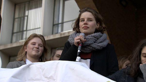 """Лидер движения """"Молодёжь за климат"""" Ануна де Вевер"""