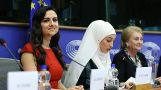 Avrupa Parlamentosu'ndan Dilek öğretmene ödül