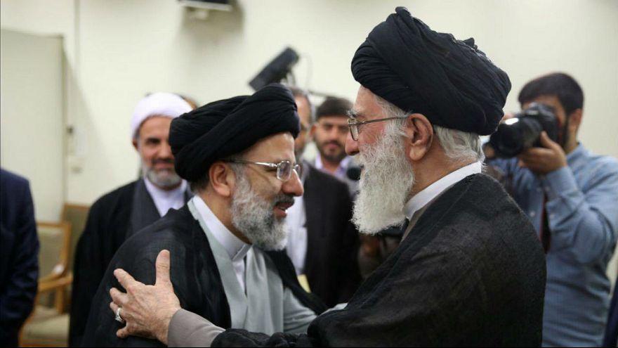 علی خامنهای، رهبر ایران ابراهیم رئیسی را به ریاست قوه قضائیه منصوب کرد