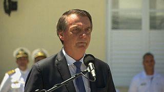 Bolsonaro diz que democracia e liberdade dependem dos militares