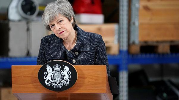 """May: """"Se il Parlamento non vota l'accordo, il Regno Unito potrebbe non lasciare mai l'UE"""""""