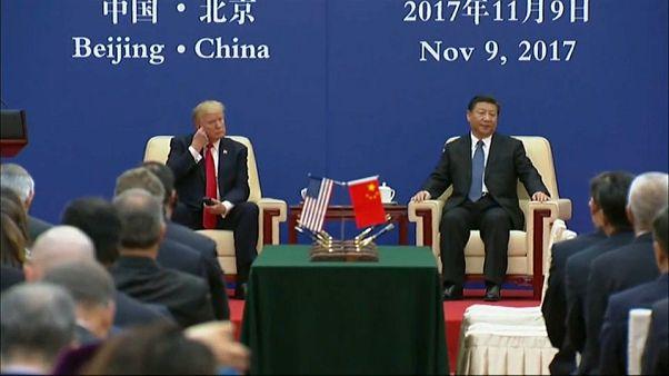 Cina: crollo del 20,7% annuo per le esportazioni a febbraio