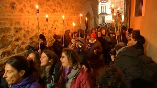 Weltfrauentag: Nächtliche Kundgebung in Madrid