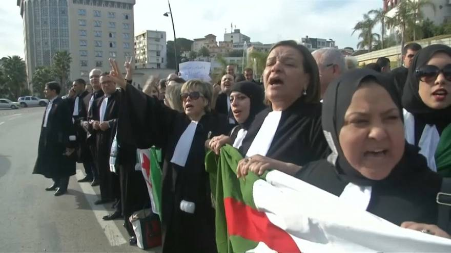 Las 'togas negras' contra la candidatura de Abdelaziz Bouteflika