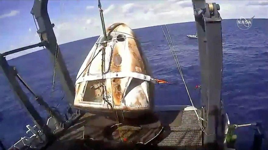 Visszatért a SpaceX űrkapszulája