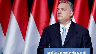 ائتلاف اکثریت در مجلس اروپا اخراج حزب حاکم مجارستان را بررسی میکند