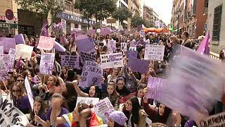 A nők egyenjogúságáért tüntettek Európa-szerte