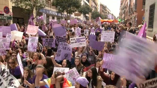 8 mars : les femmes se mobilisent partout en Europe pour leurs droits