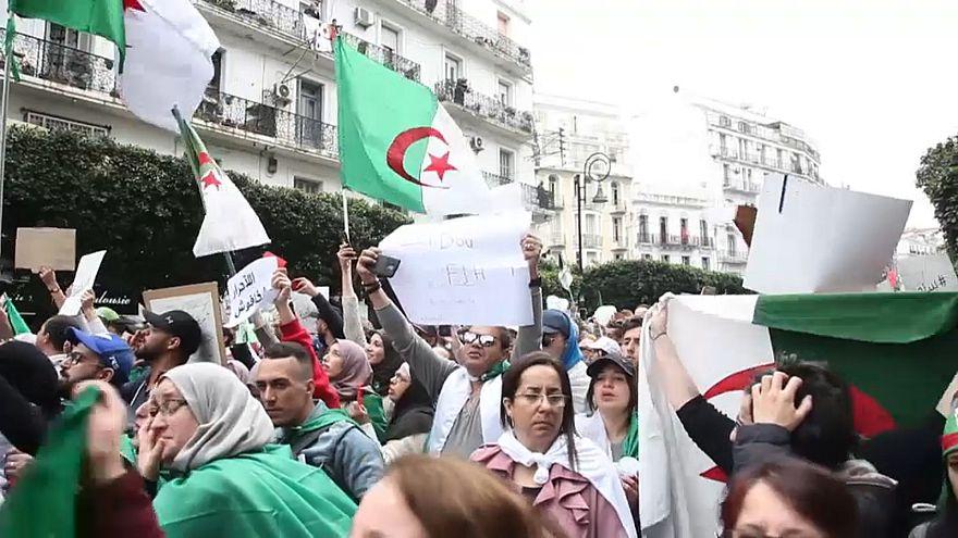 A Alger, une marée humaine historique contre Bouteflika