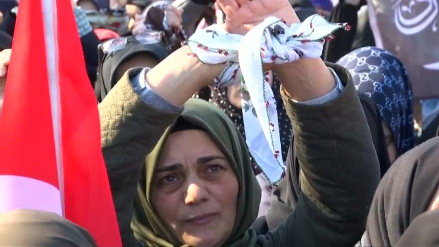 """""""صراخ في صمت"""" عنوان تجمع تركي ينادي بتحرير المعتقلات السوريات"""