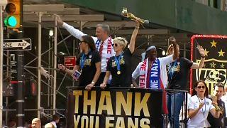 Egyenlő bánásmódot követlenek a női focisták az Egyesült Államokban
