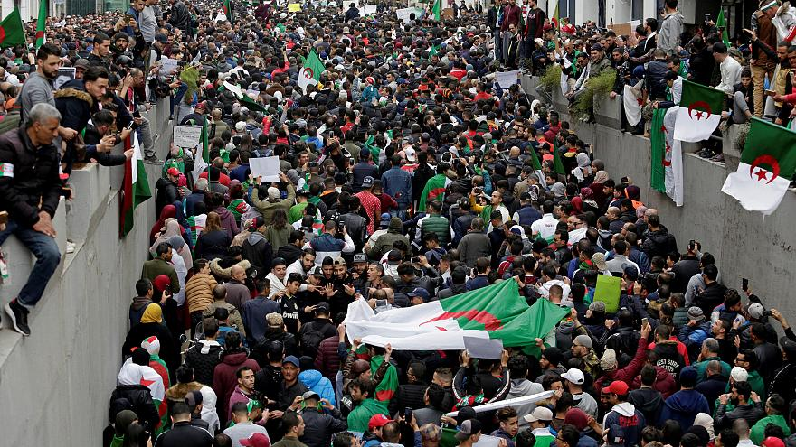 """Résultat de recherche d'images pour """"manifestation algerie 2019"""""""