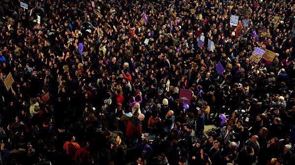 A nők jogaiért tüntettek Spanyolországban