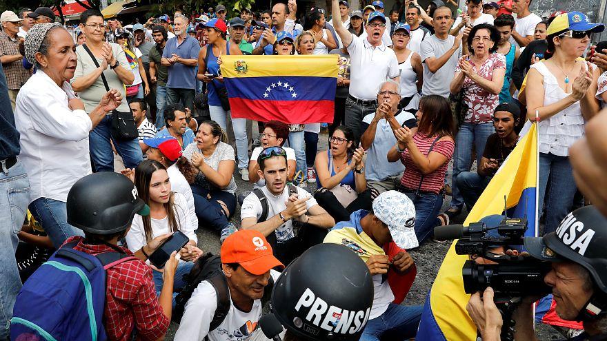 Venezuela'da iktidar ve muhalefet yeniden sokaklarda