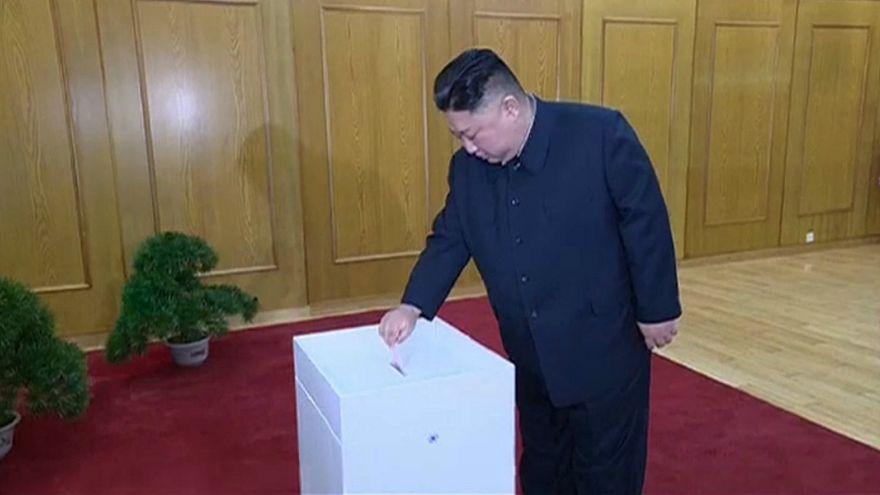 الزعيم الكوري الشمالي كيم جونغ أون اليوم الأحد 10 آذار/مارس يدلي بصوته