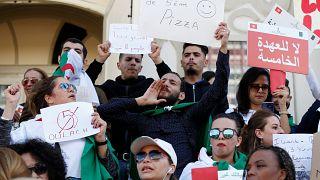 Bouteflika, attendu de pied ferme, de retour en Algérie