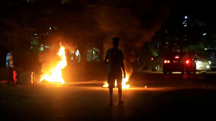 Sudan'da 9 kadın göstericiye 20 kırbaç cezası
