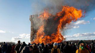Блин комом, «Бастилия» сгорела